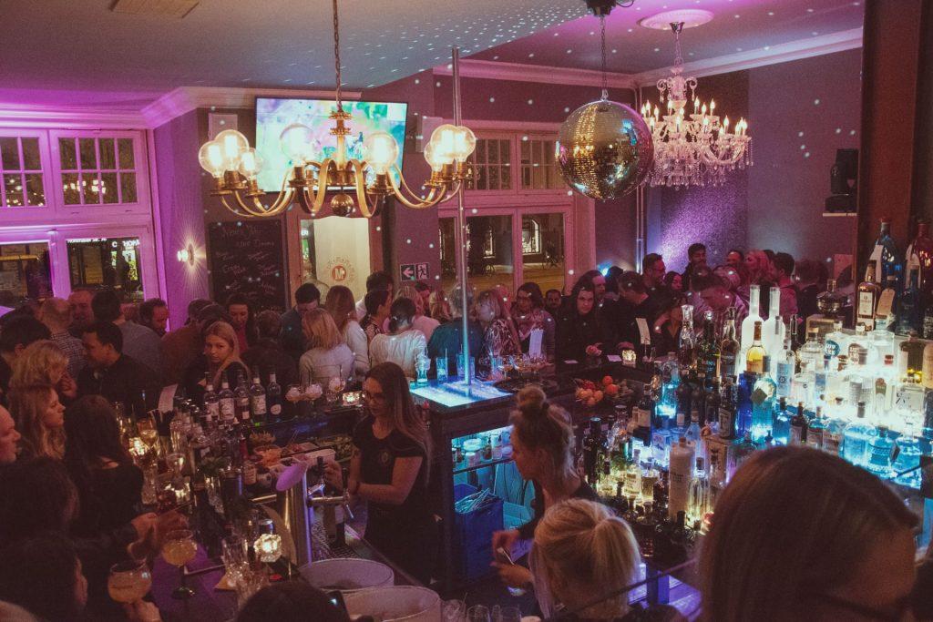 Die Moralist Bar