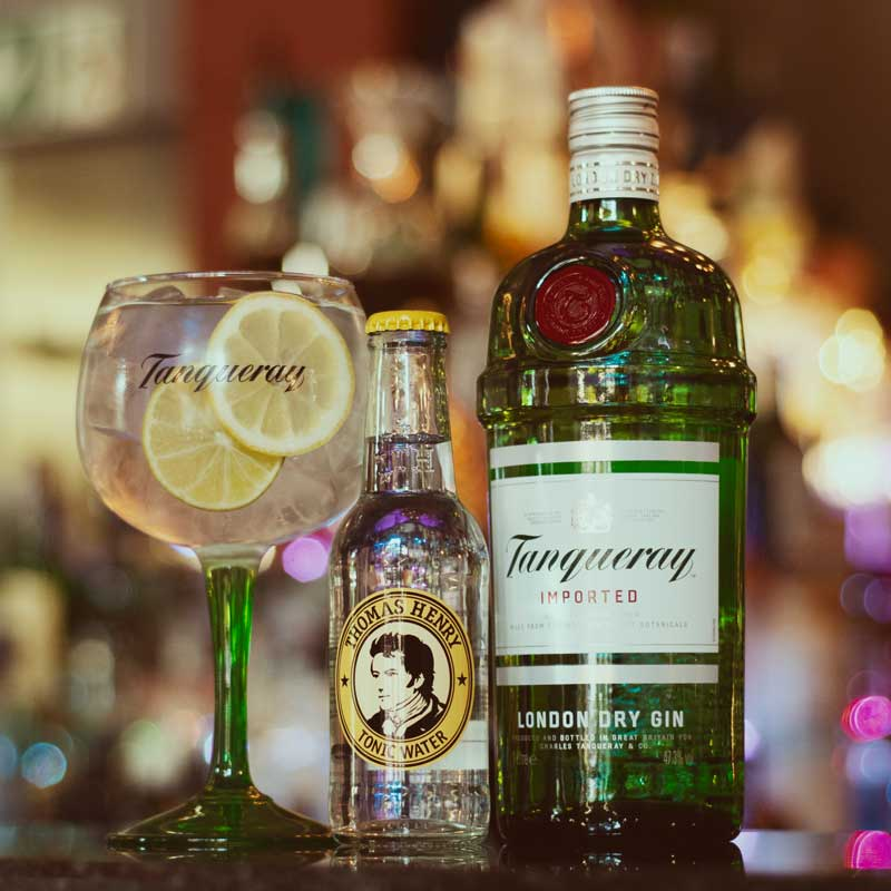 Tanqueray Gin-Glas mit London Dry Gin-Sorte